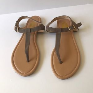 Floopi flat sandal T-Strap Thong  8